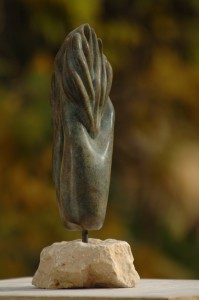 sculpture de flamme, main - Dominique Rivaux