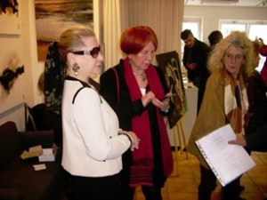 Anne Jelena et galeriste