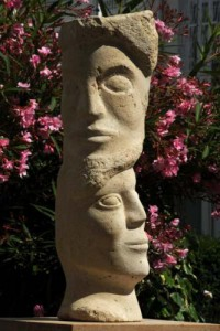 sculpture de l'homme et de la femme - visage - le Temps - fossiles - civilisation
