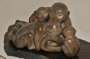 singes - famille de singes - Saïmiri - sentiments - amour - sculpture
