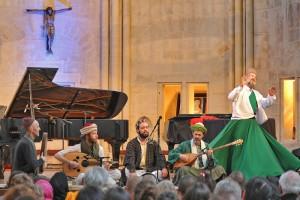 Musiciens et Derviche-Tourneur à Senlis